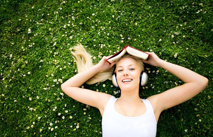 headphones_book