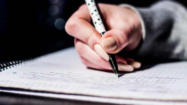 pen-writing-notes-studying-678x381